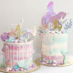 I love the idea of having mermaids and unicorns Cupcakes, Cupcake Cakes, Beautiful Cakes, Amazing Cakes, Sirenita Cake, Bolo Tumblr, Mermaid Cakes, Mermaid Birthday Cakes, Sea Cakes