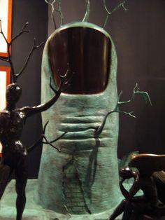 Art review--the surreal art of Salvador Dali: http://www.clubfashionista.com/2013/02/salvador-dali-museum-paris-espace-dali.html  #clubfashionista #art #SalvadorDali