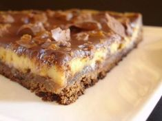 Tarte aux daims ohhh everything sounds better in French Desserts With Biscuits, No Cook Desserts, Delicious Desserts, Dessert Recipes, Yummy Food, Love Eat, Love Food, Cheesecakes, Bagel Recipe