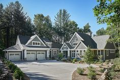 23 Super Ideas For House Exterior Design Traditional Front Elevation Beach House Plans, Cottage House Plans, New House Plans, Modern House Plans, Country House Design, Country Style House Plans, Craftsman Style House Plans, Farmhouse Style, Traditional House Plans