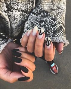 Try some of these designs and give your nails a quick makeover, gallery of unique nail art designs for any season. The best images and creative ideas for your nails. Edgy Nails, Aycrlic Nails, Grunge Nails, Manicures, Hair And Nails, Elegant Nails, Coffin Nails, Edgy Nail Art, Claw Nails