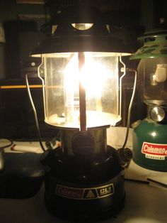 Old Coleman Lanterns | Vintage Coleman Lanterns: The glow of the coleman mantle