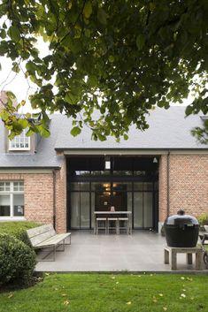 Vertrouw de architectuur en de interieurinrichting van uw woning toe aan Mieke van Herck Architectenbureau uit Herentals – Morkhoven.