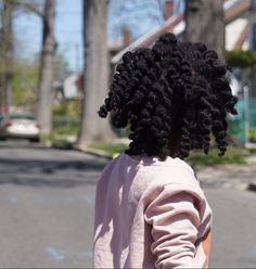 5 Tips To Help Your Little Girl Get Through Wash Day  Read the article here - http://www.blackhairinformation.com/general-articles/tips/5-tips-help-little-girl-get-wash-day/