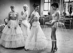 Hooped skirts 1950s