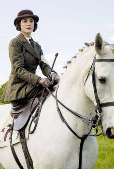 Lady Mary Crawley - Michelle Dockery in Downton Abbey Season set in
