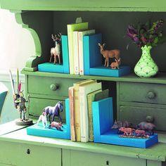 Fabriquer des serre-livres décorés de figurines d'animaux