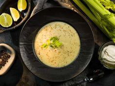 Jarná zelerová polievka Cheeseburger Chowder, Hummus, Soup, Ethnic Recipes, Homemade Hummus, Soups