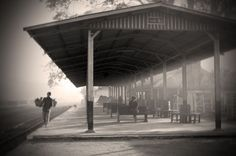 The old train station in Katha (Julio Etchart)