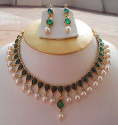Emerald Necklace with Real Pearls necklace