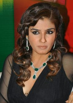Priyanka Chopra, Kareena Kapoor, Indian Heritage, Beautiful Women Pictures, Indian Celebrities, India Beauty, Woman Crush, Ravenna Tandon, Bollywood Actress