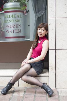 Pretty Asian Girl, Cute Asian Girls, Cute Girls, Beautiful Young Lady, Beautiful Asian Women, Stockings Lingerie, Sexy Stockings, Sexy Socks, Girls In Mini Skirts