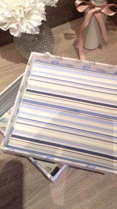 Caixa quadrada  Listras azuis