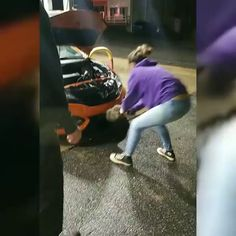 Let me go. I will help you repair the car - GIF Funny Animal Videos, Funny Animal Pictures, Best Funny Pictures, Funny Photos, Funny Animals, Animal Pics, Funny Videos, Funny As Hell, You Funny