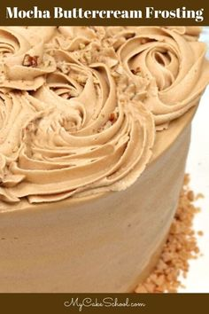 Easy and Delicious Mocha Buttercream Frosting! This Mocha Buttercream Frosting is delicious, easy to make, and is a great consistency for piping! American Buttercream Recipe, Icing Recipe, Frosting Recipes, Mocha Frosting, Chocolate Frosting, Coffee Buttercream Frosting Recipe, Nutella Frosting, Cupcakes, Cupcake Cakes