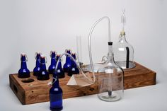 """""""Double Barrel"""" 2-gallon home-brewing kit with 8 cobalt blue bottles - Box Brew Kits"""
