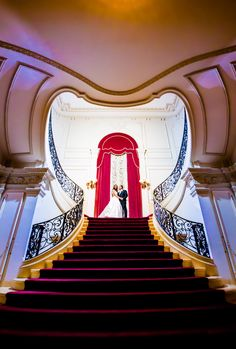 Rosecliff Mansion Staircase Wedding Photo. Prudente Photography - www.prudentephoto.com