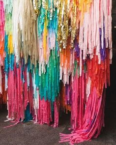 One Stylish Party shares their take on the top party trends for modern organic design, fringe backdrops, acrylic party props, baby's breath, charcuterie boards. Party Kulissen, Festa Party, Party Time, Ideas Party, Party Props, Event Ideas, Streamer Backdrop, Paper Backdrop, Wedding Streamers