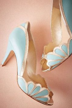 wedding shoe inspiration | something blue bridal heels | Isabella Scalloped Heel | v/ bhldn |