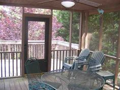 Screen Porch-BEFORE.
