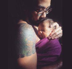 Sakura Bloom Babywearing Dad// Instagram.com/iamkuhtreenuh