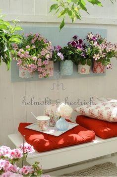 Porches, Porch And Terrace, Terrace Garden, Terrace Design, Garden Design, Vintage Porch, Outside Room, Cool Plants, Porch Decorating