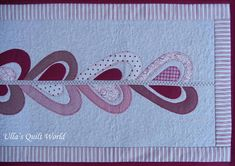 Ulla's Quilt World: Heart table runner quilt and curtain