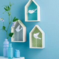 Les+maisonnettes+à+oiseaux Wood Crafts, Diy And Crafts, Crafts For Kids, Paper Crafts, Jar Art, Cardboard Art, Home And Deco, Preschool Crafts, Home Art