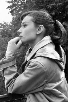 Ikonische Zopffrisuren von den '60-er Jahren bis heute - soft sweep von Audrey Hepburn