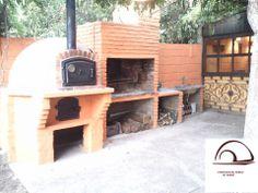 Cocina exterior con horno y barbacoa de ladrillo  -  outdoor kitchen with brick oven and barbecue