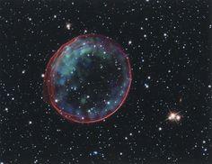 El telescopio 'Hubble' fotografía una burbuja titánica en el espacio