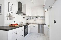 Фотография: Кухня и столовая в стиле Скандинавский, Малогабаритная квартира, Квартира, Цвет в интерьере, Дома и квартиры, Белый, ретро-стиль – фото на InMyRoom.ru