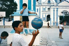 Alex Webb. 'Tehuantepec, Mexico' 1985