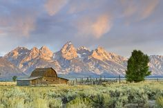 Teton Mountain Range, Grand Teton National Park, Wyoming, USA