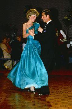 Princess Diana Fashion Photos — Princess Diana Best Outfits