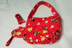 Minnie Mouse themed Girl's Bucket purse with matching accessories by SherrysCraftPatch on Etsy