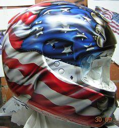 Helmet by Lola Vidal Custom Motorcycle Paint Jobs, Motorcycle Helmet Design, Racing Helmets, Motorcycle Art, Motorcycle Outfit, Bike Art, Pinstriping, American Flag Eagle, Custom Helmets
