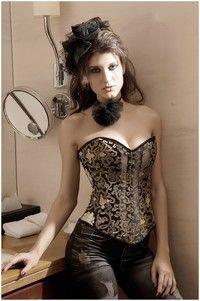 fa2b2c7a7dd This corset comes with matching G-string