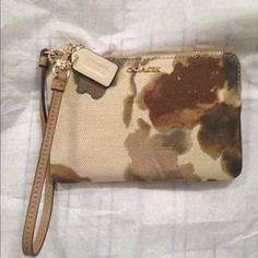 I just discovered this while shopping on Poshmark: Coach Wristlet. Check it out!  Size: OS