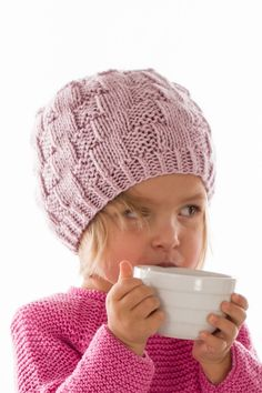 PICCOLI IN-TRECCI Cappellino Bimba | Laines du Nord Baby Knitting Patterns, Beanie Hats, Crochet Baby, Knitted Hats, Winter Hats, Stuff To Buy, Biscotti, Baby Baby, Fashion