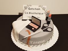 Kosmetiktorte, Make-up-Torte, La Biosthetique-Torte... sucht euch einfach den passenden Namen aus :-)