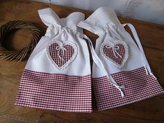 шитье и вязание для уюта в доме. подушки и валентинки (46) (640x480, 260Kb)
