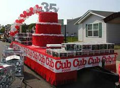 Birthday Cake Float Ideas Christmas Float Ideas, Christmas Parade Floats, Christmas Party Games, Homecoming Floats, Homecoming Themes, Carnival Floats, Independence Day Decoration, Independence Day Wallpaper, 4th Of July Parade