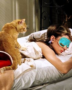 Cat (Orangey) and Holly Golightly (Audrey Hepburn) in Breakfast at Tiffany's Director: Blake Edwards. Françoise Hardy, Anna Karina, Holly Golightly, No Name, Looks Cool, Old Hollywood, Hollywood Glamour, I Movie, Movie Scene