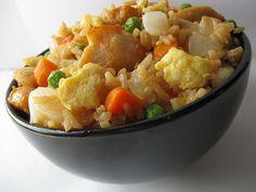 Chicken Fried Rice Recipe (Weight Watchers 4 Points Plus) Rice Recipes, Asian Recipes, Chicken Recipes, Cooking Recipes, Healthy Recipes, Protein Recipes, Skinny Recipes, Healthy Foods, Chicken Ideas
