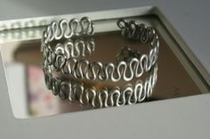 Picture of Wavy zigzag wire bracelet