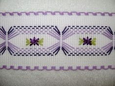 Discover thousands of images about Vagonité Cross Stitching, Cross Stitch Embroidery, Embroidery Patterns, Hand Embroidery, Cross Stitch Patterns, Huck Towels, Swedish Weaving Patterns, Swedish Embroidery, Monks Cloth