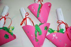 γιορτη μητερας κατασκευες νηπιαγωγειο - Αναζήτηση Google Mothers Day Crafts, Projects To Try, Gift Wrapping, Paper, Gifts, Kindergarten, Mom, Search, Google
