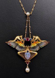 Took my breath away...  Art Nouveau pendant 1902 NFS