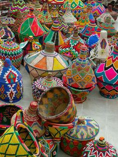 Inspiration: painted African baskets from Marrakesh Deco Boheme, Thinking Day, Arte Popular, Moroccan Style, Moroccan Colors, Home And Deco, African Art, African Style, African Crafts